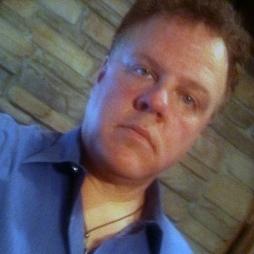 Paul Kaminski is a Senior Sales Consultant at Poblocki Signs in Milwaukee, Wisconsin.